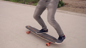 Trick tips longboard - Le fakie shove-it [explications + vidéo]
